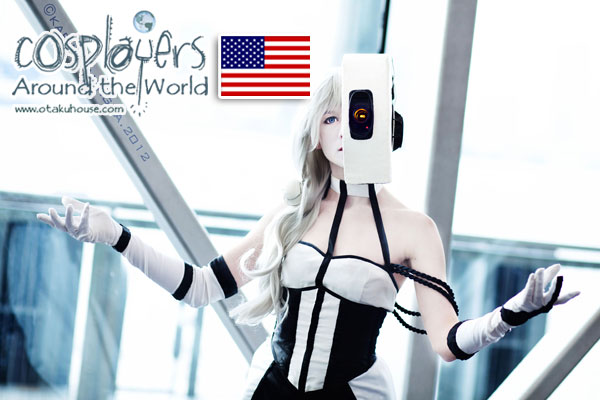 Portal GLaDOS Cosplay (Photo by Karina Antigua)