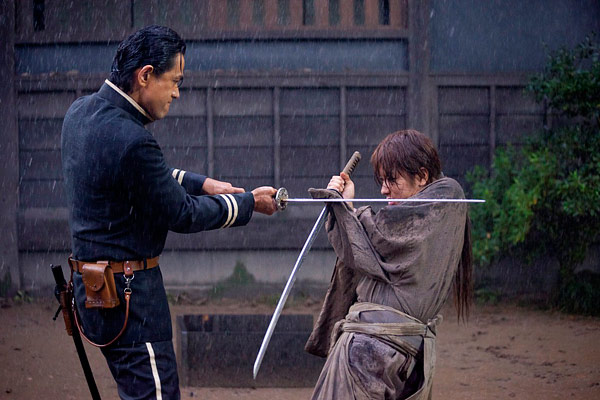 http://otakuhouse.com/images/2012/11/rurouni-kenshin-movie-review-otaku-house-3.jpg